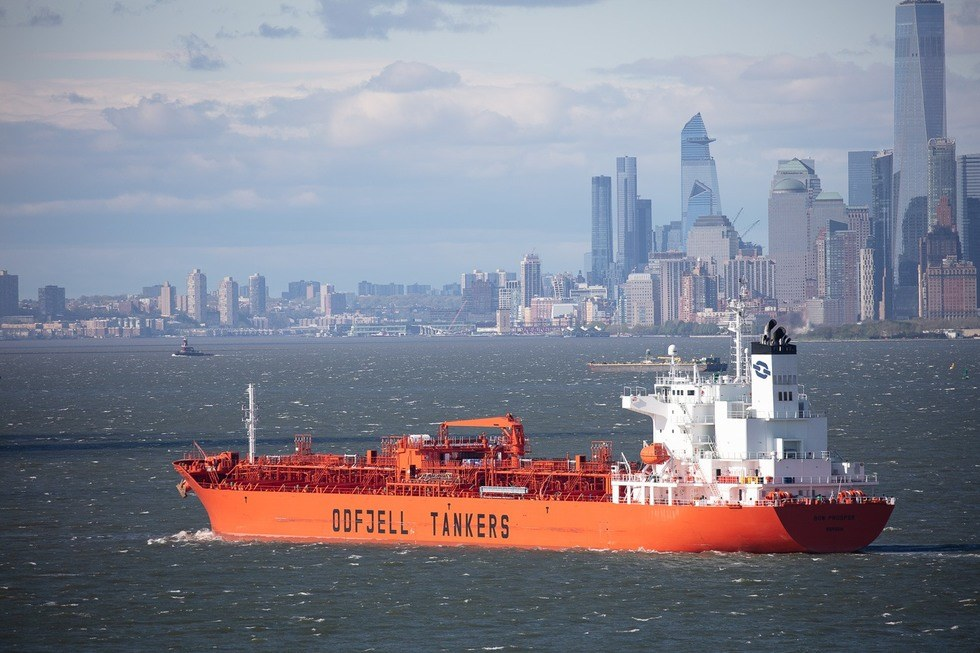Odfjell's newbuilt chemical tanker Bow Prosper enters New York on the maiden voyage. Photo: Jonathan Atkin, Shipshooter   Odfjell